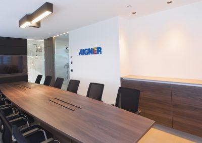 Aigner-114